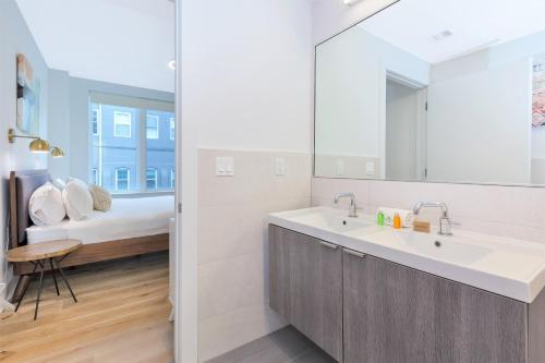 Dharma Home Suites Hoboken At Grand - Hoboken, NJ 07030