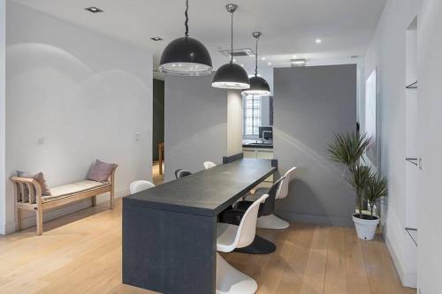 Duplex contemporain en hyper-centre