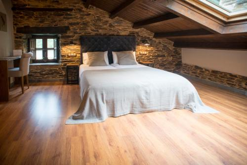 Deluxe Double Room (2 Adults + 1 Child) Complejo Rural Casona de Labrada 4