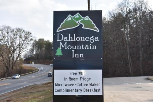 Dahlonega Mountain Inn - Dahlonega, GA 30533