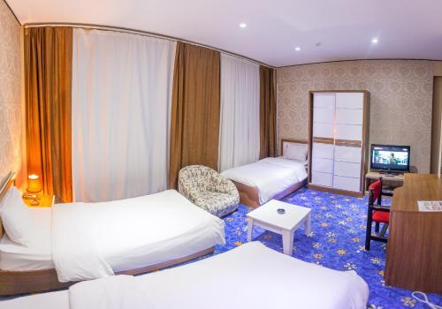 Картинки по запросу Sharq Plaza Hotel