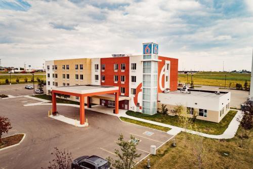 Motel 6 Airdrie - Airdrie, AB T4B 0J6
