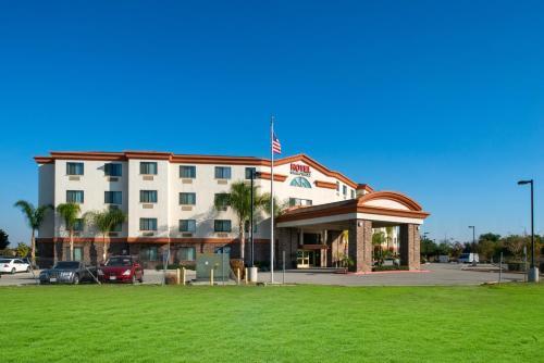 . Hotel Chino Hills