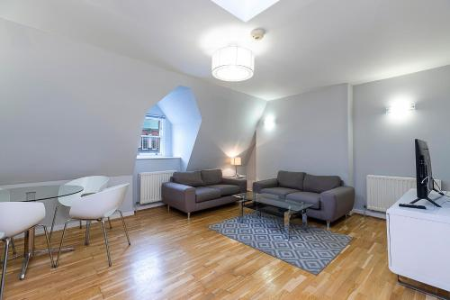 New 3 Bedroom Flat At The Heart Of Marylebone!