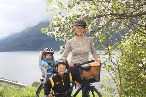 Graaten In Hardangerfjord - Photo 2 of 17