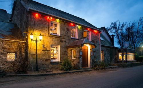 __{offers.Best_flights}__ Trewern Arms Hotel