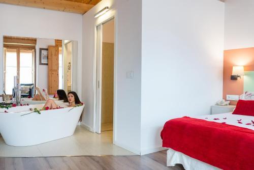 Habitación Doble Deluxe con bañera Hotel La Freixera 9
