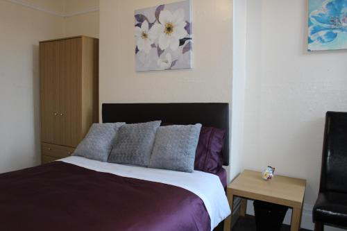 John St Town House - Self Catering