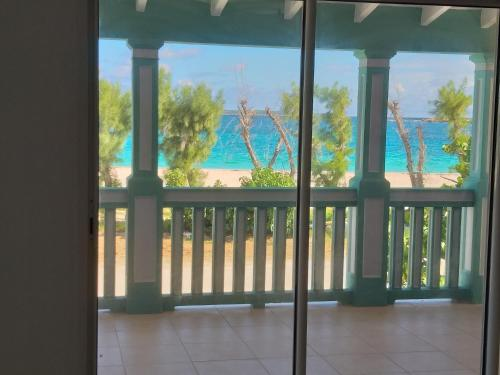 Beautiful Duplex of 160 m2 and 4 bed-rooms on Orient Beach