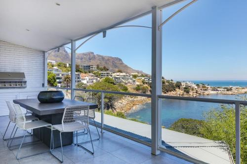 Camps Bay Villa Sleeps 6 WiFi
