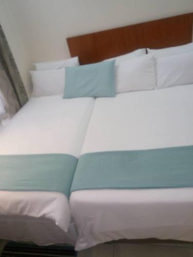 . Eros Guest Inn