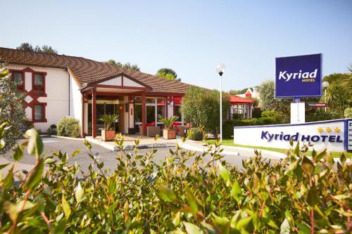 Kyriad Nîmes Ouest A9 - Hôtel - Nîmes