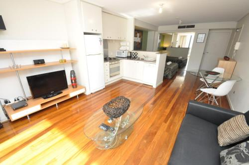 Sydney CBD Self Contained Modern Studio Apartments (PITT) - image 9