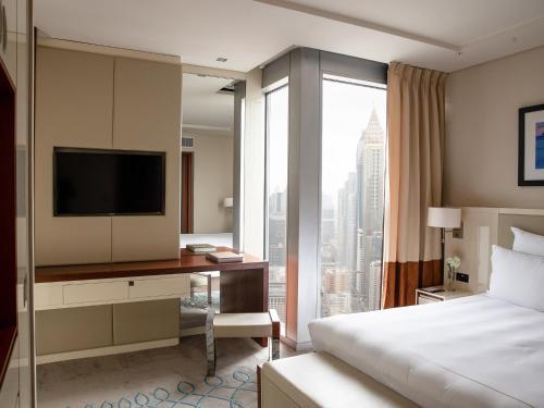 Jumeirah Emirates Towers photo 16