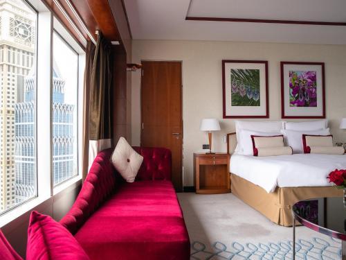Jumeirah Emirates Towers photo 17