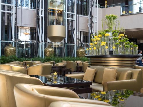 Jumeirah Emirates Towers photo 41