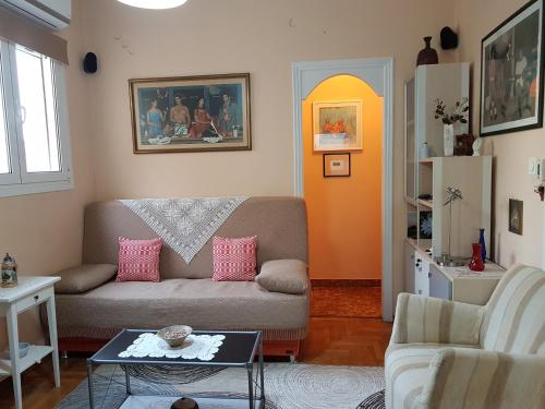 Quiet top-floor flat in the heart of Pireus!, 18532 Piräus