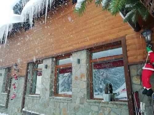 . Mountain house Campari