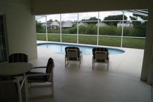 Private Pool Homes - image 6