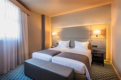 Hotel Dom Henrique - Downtown rom bilder