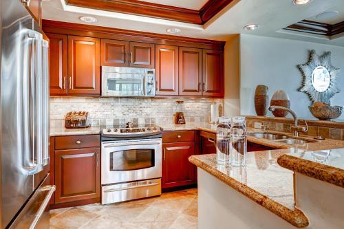 Luxury Ski-In 3 Br Penthouse Inside Pines Lodge, Sleeps 10! Condo - Apartment - Beaver Creek