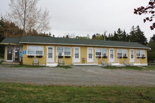 Capeway Motel - Port Hastings, NS B9A 1K2