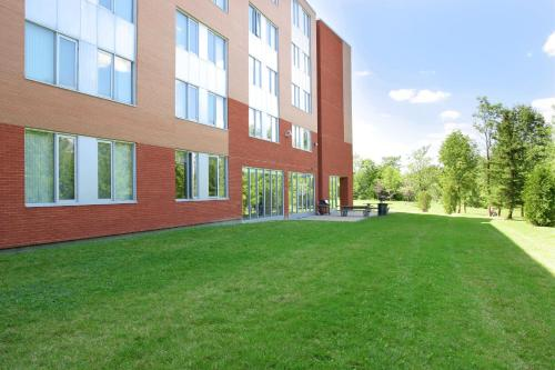Residence & Conference Centre - Brampton Фотография 8