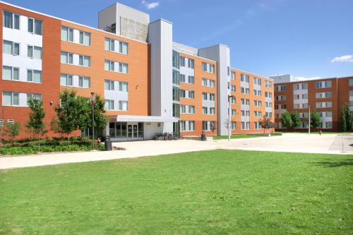 Residence & Conference Centre - Brampton Фотография 9