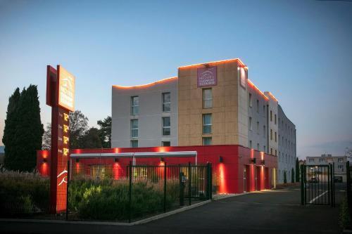 . Hotel Clermont Estaing