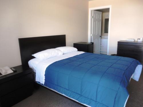 Stratford Motel - Whitehorse, YT Y1A 2H4