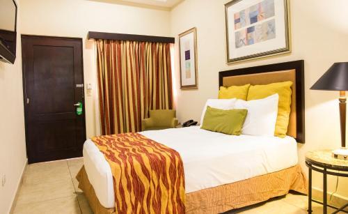 . Hotel El Viejo Inn
