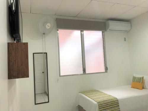Hotel Mayaya Двухместный номер с 2 отдельными кроватями и собственной ванной комнатой
