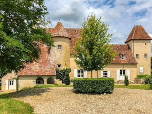 . Charming and private castle on four hectares, with river, sun terrace and views