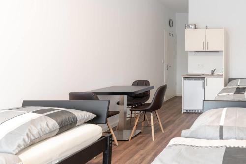 Monteurzimmer Berlin Pankow Mit Dachterrasse - Nur 10 Min. Von Der A10 - 3 Zimmer- 7 Betten