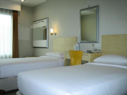 Triniti Hotel Batam photo 5