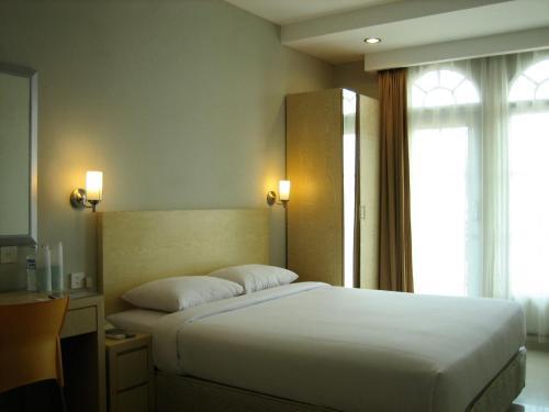Triniti Hotel Batam photo 6