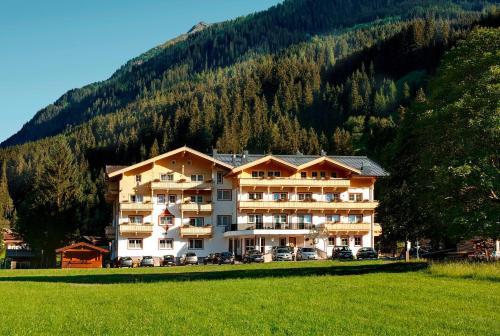 Hotel Grundlhof - Bramberg am Wildkogel