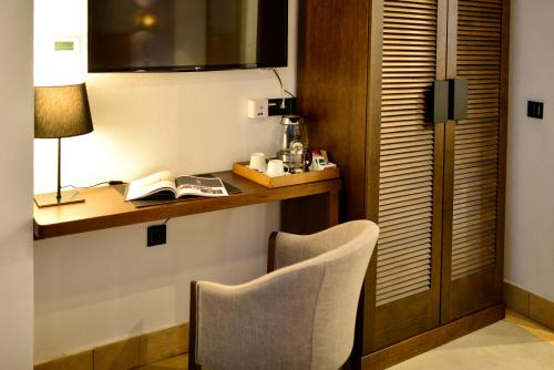 Standard Double or Twin Room Legado Alcazar 38