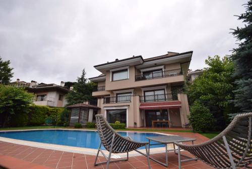 Istanbul Luxury Villa in upper crust compound phone number