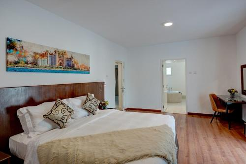J5 Four Bedroom Villa Holiday home in Al Wasl - image 7