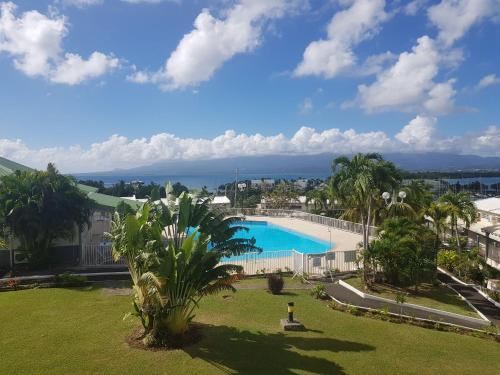 . Superbe studio en duplex, vue sur mer et piscine