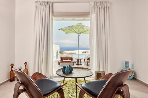 Naia Junior Suite with Private Pool and Sea View
