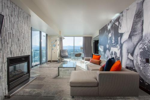 35Th Floor Stunning Palms Place Suite W-Balcony