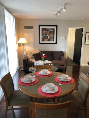 Kashaneh at Minto