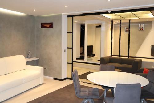 Saint Germain Luxury Loft photo 16