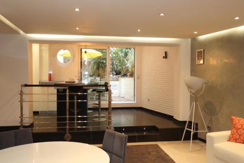 Saint Germain Luxury Loft photo 30