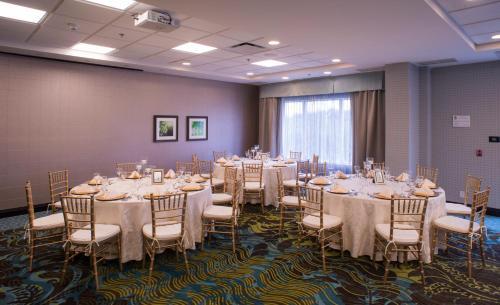 Hampton Inn & Suites By Hilton St. John's Airport - Photo 5 of 27