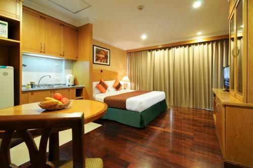 Admiral Suites Bangkok by Compass Hospitality photo 35