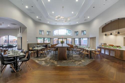 DoubleTree Suites by Hilton Sacramento - Rancho Cordova