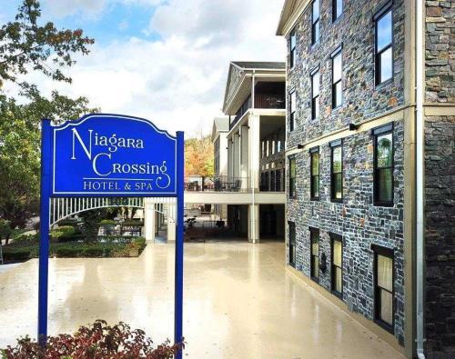 . Niagara Crossing Hotel and Spa